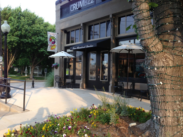 Crumbzz Restaurant outside